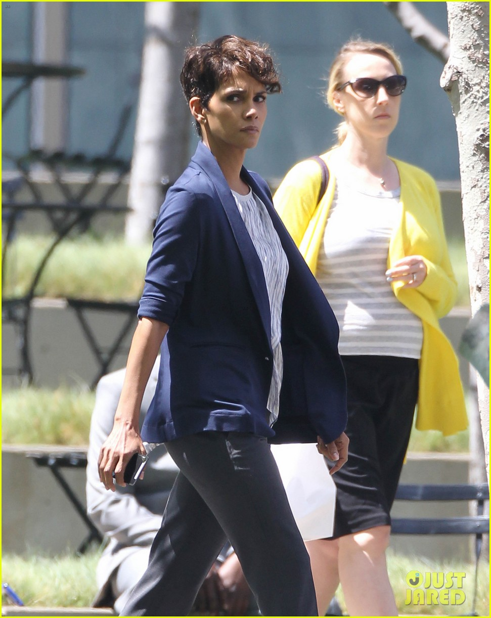 halle berry extant new golden age of television 17