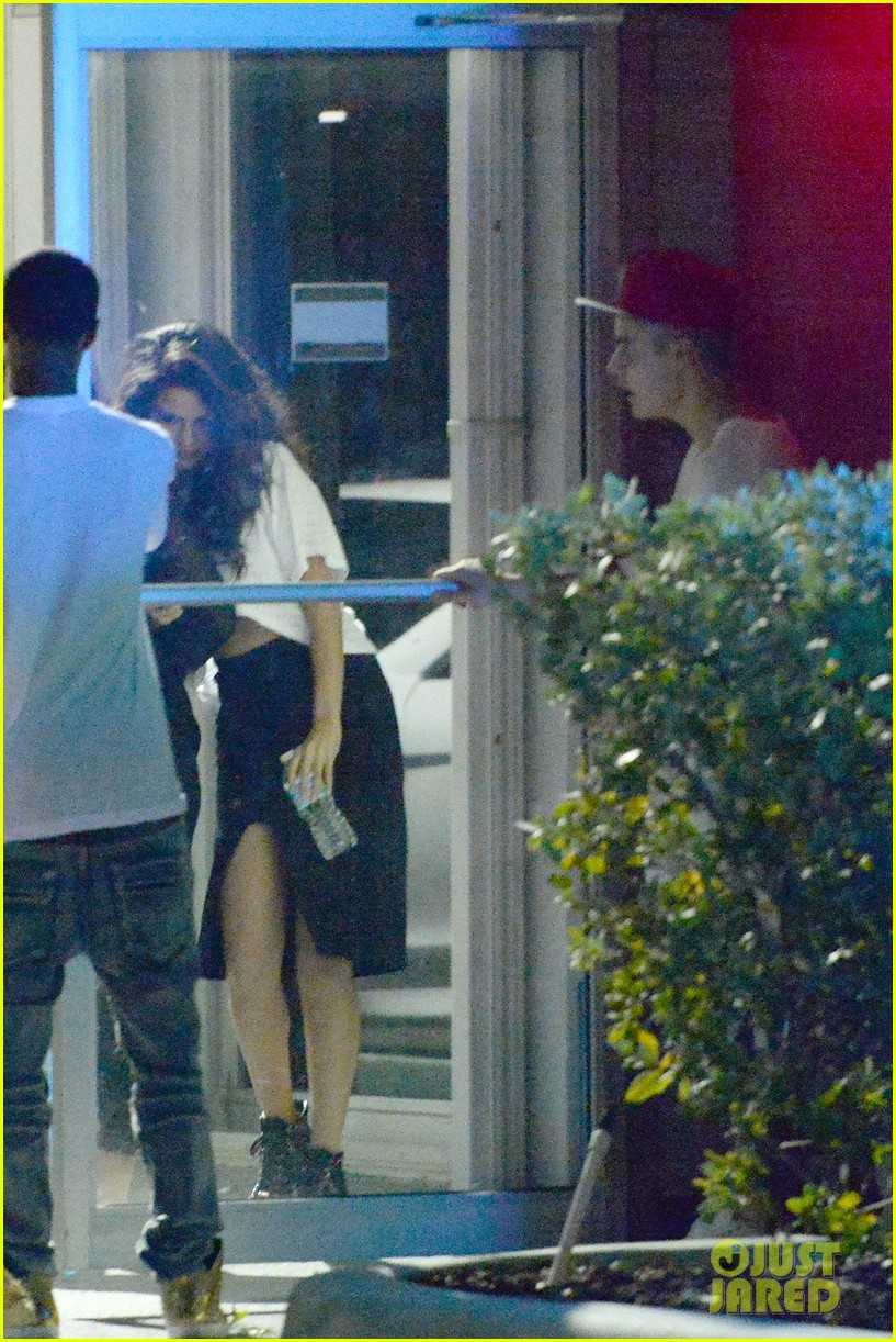 selena gomez joins justin bieber for a studio session 16