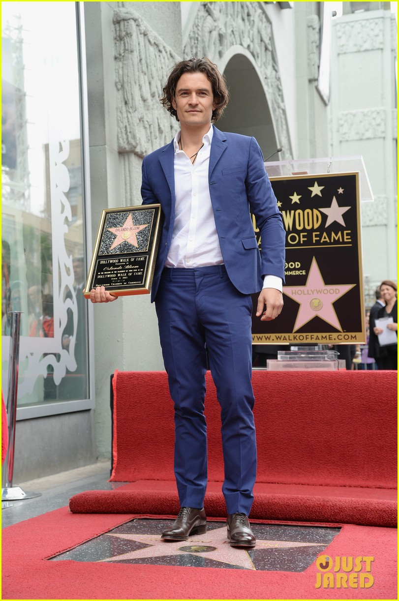orlando bloom receives star on hollywood walk of fame 013083436