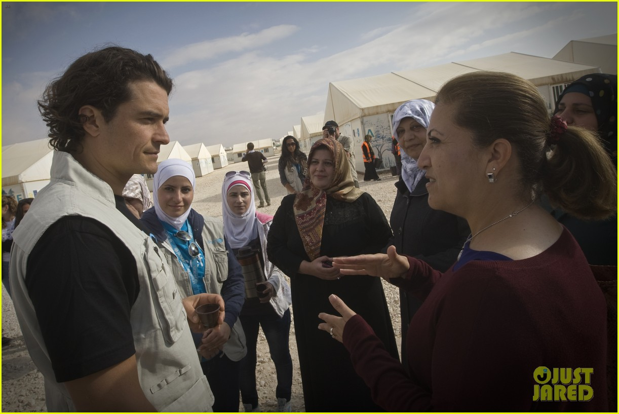 orlando bloom visits syrian refugees in jordan 133091860