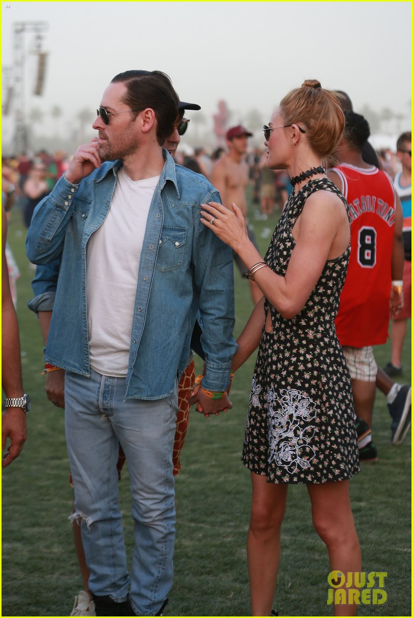 kate bosworth michael polish display pda at coachella 193090240