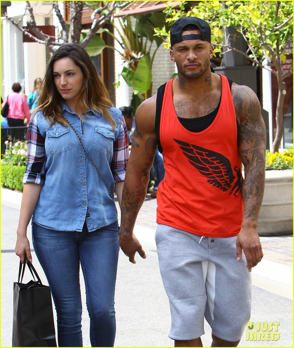 kelly brook boyfriend loves showing off beefed up body 15