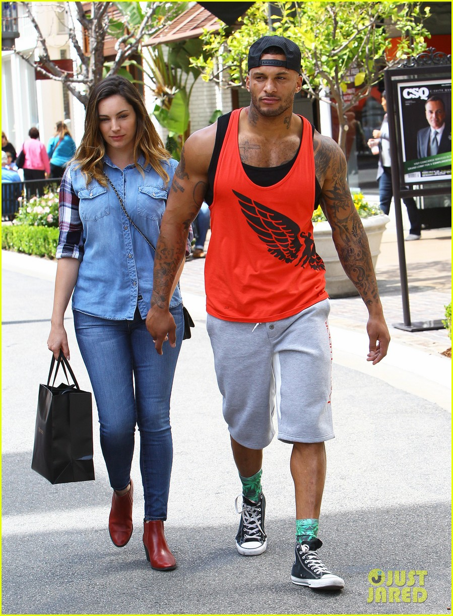 kelly brook boyfriend loves showing off beefed up body 16