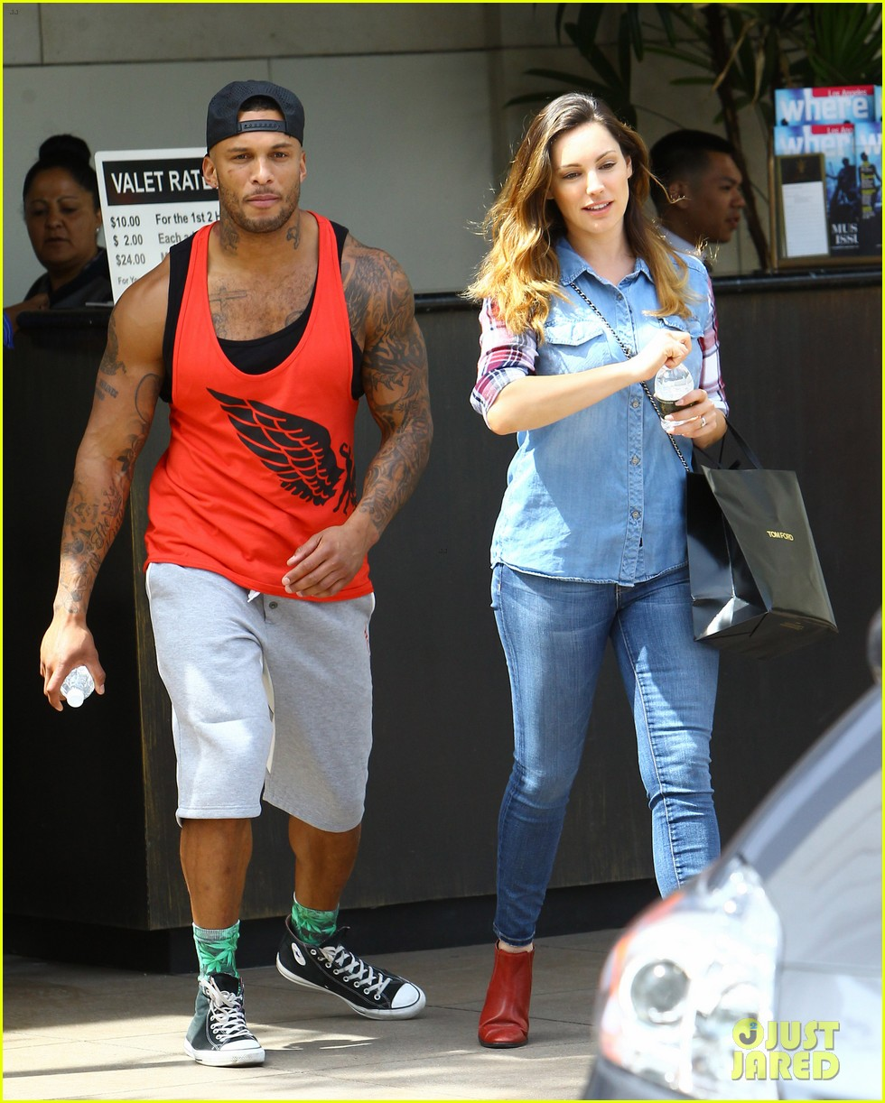 kelly brook boyfriend loves showing off beefed up body 20