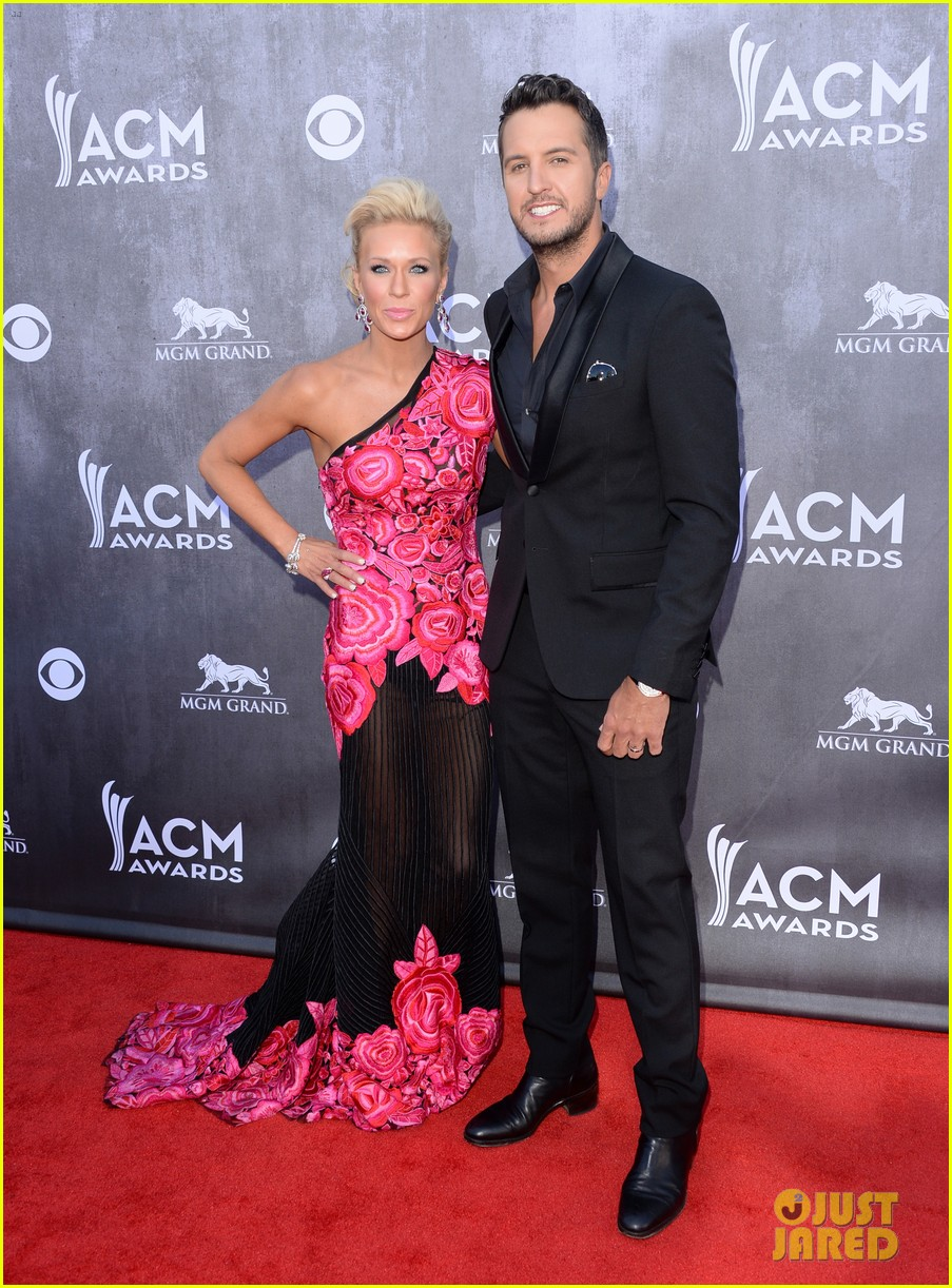 luke bryan acm awards 2014 red carpet 043085827