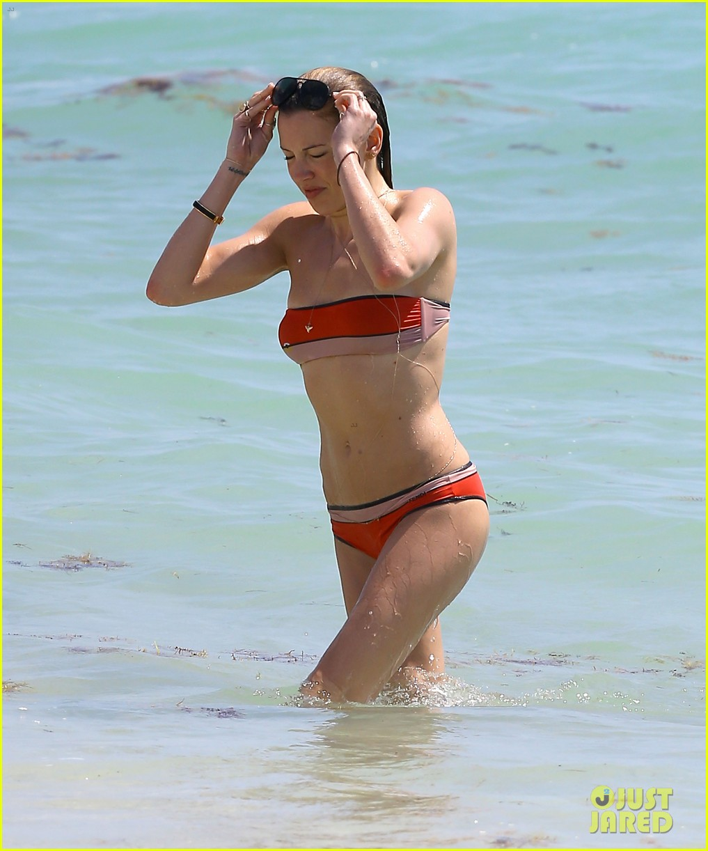 arrows katie cassidy shows off amazing body in tiny bikini 08
