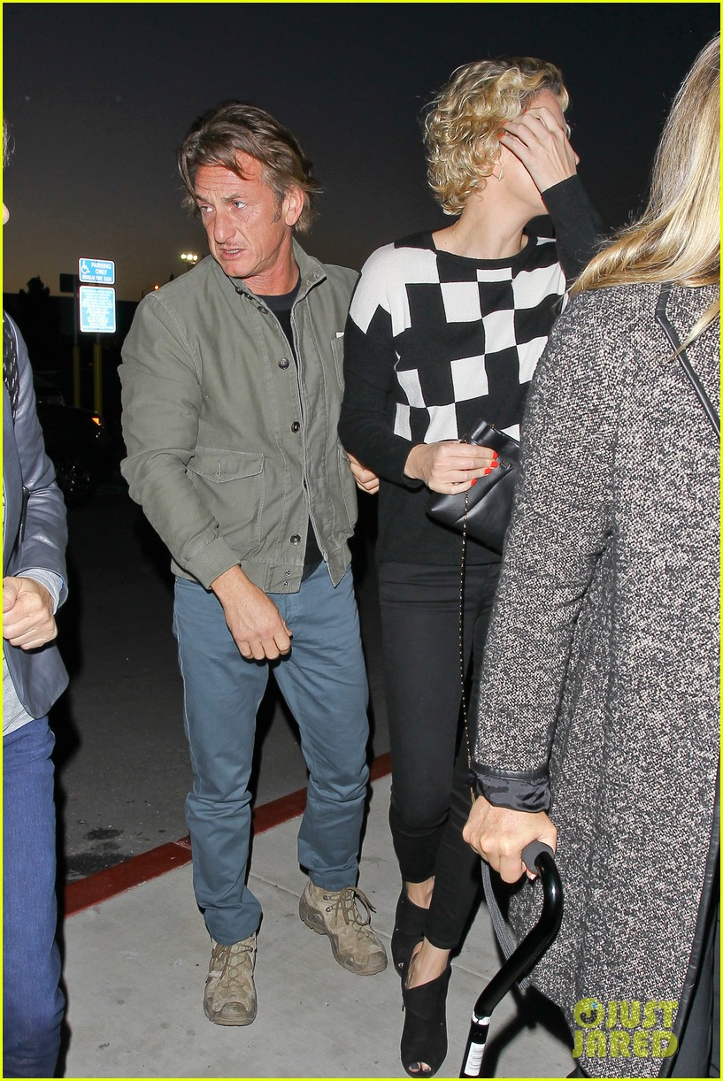 charlize theron sean penn not engaged yet 24