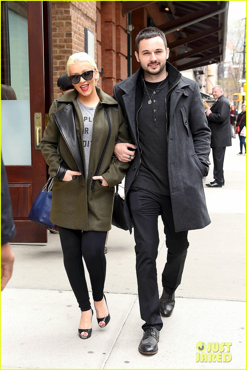 christina aguilera shares adorable baby bump pic her baby loves nyc 043093954