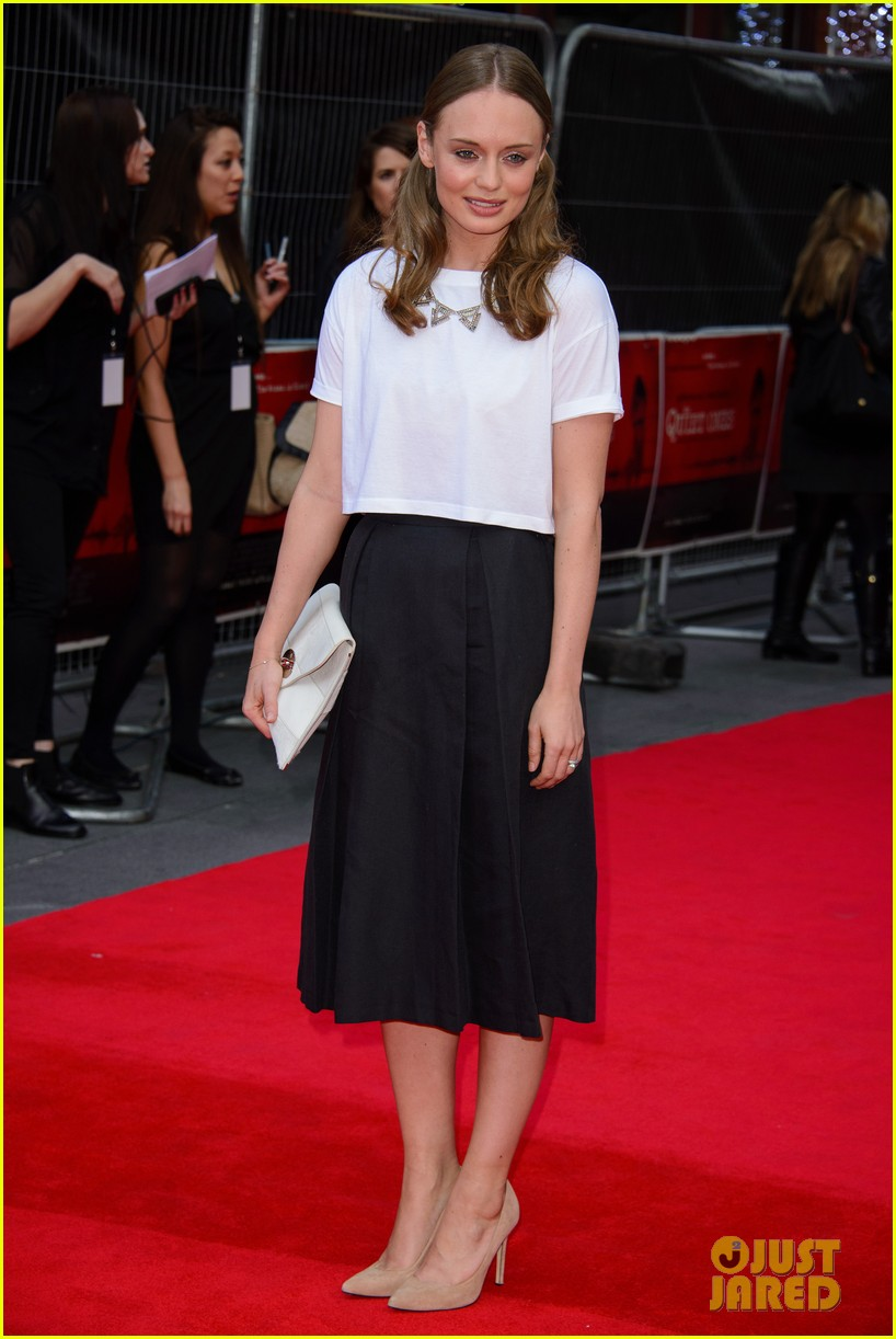 sam claflin brings wife laura haddock to quiet ones world premiere 09