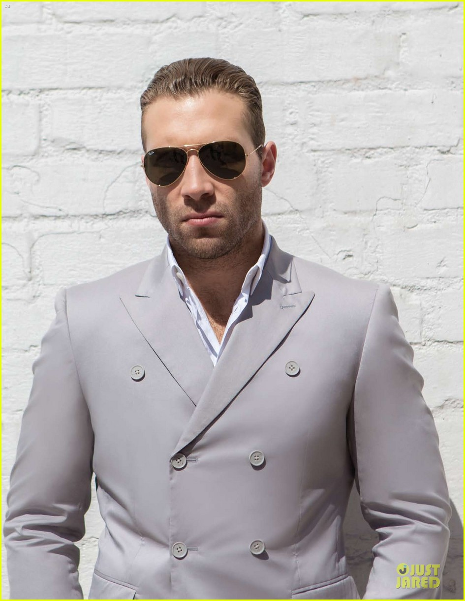 jai courtney da man musical talents 01