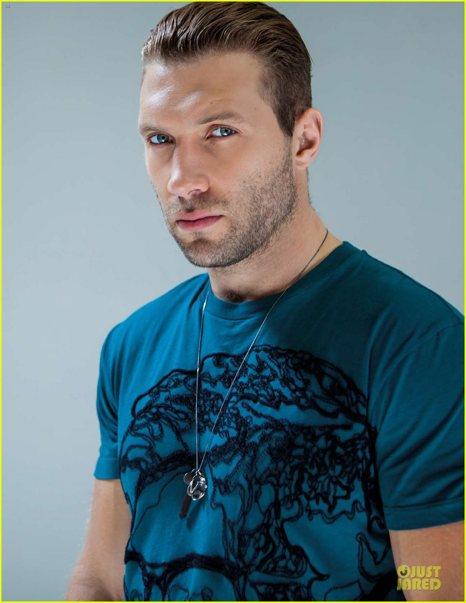 jai courtney da man musical talents 02