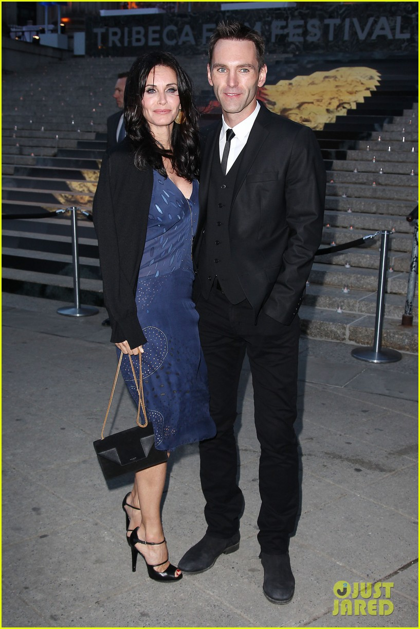 courteney cox kate walsh party with vanity fair at tribeca 053097881