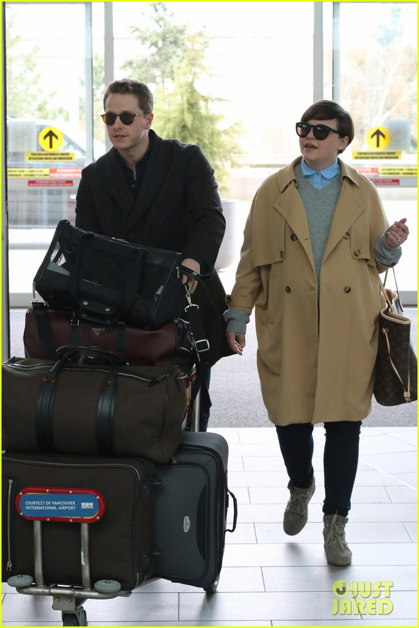 josh dallas does heavy lifting for pregnant ginnifer goodwin 01
