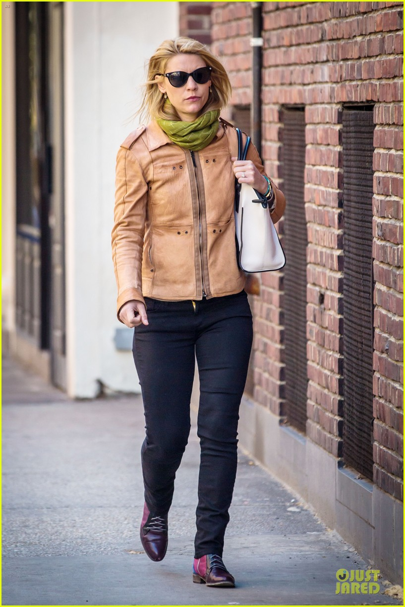 claire danes hugh dancy dress for casual outings 013099635