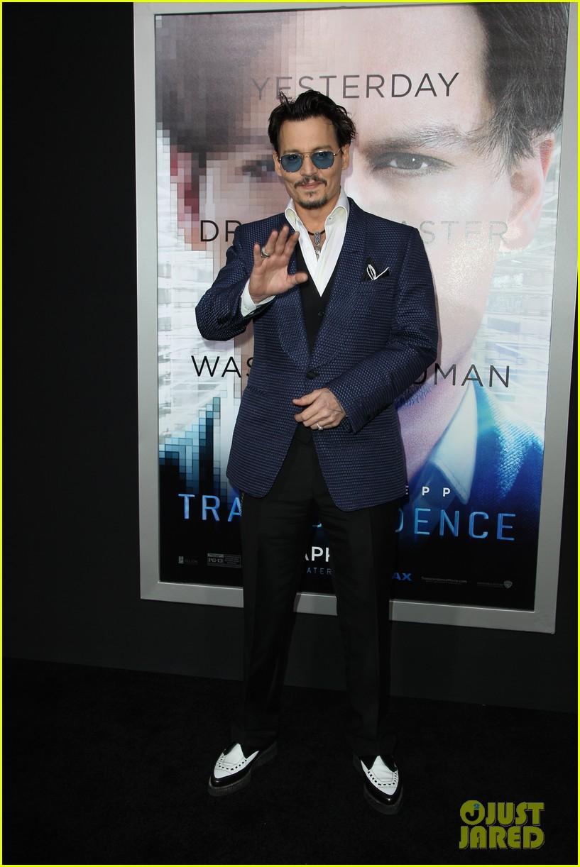 johnny depp attends transcendence premiere 123088791