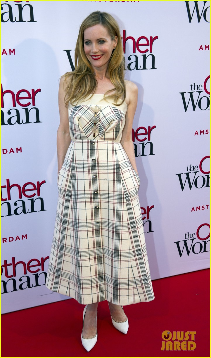 cameron diaz gets glam with kate upton leslie mann for the other woman 03