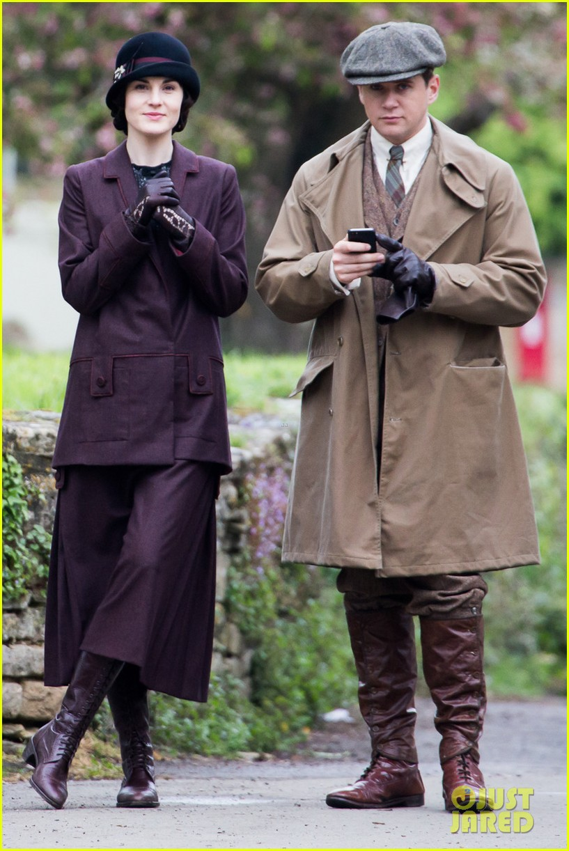 these downton abbey season five set pics are getting us really excited 06