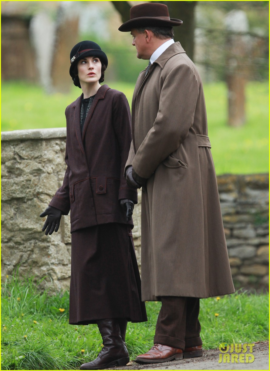 these downton abbey season five set pics are getting us really excited 12