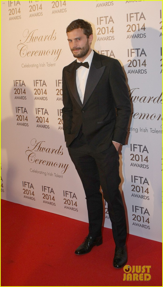jamie dornan wins two awards at ifta awards 03