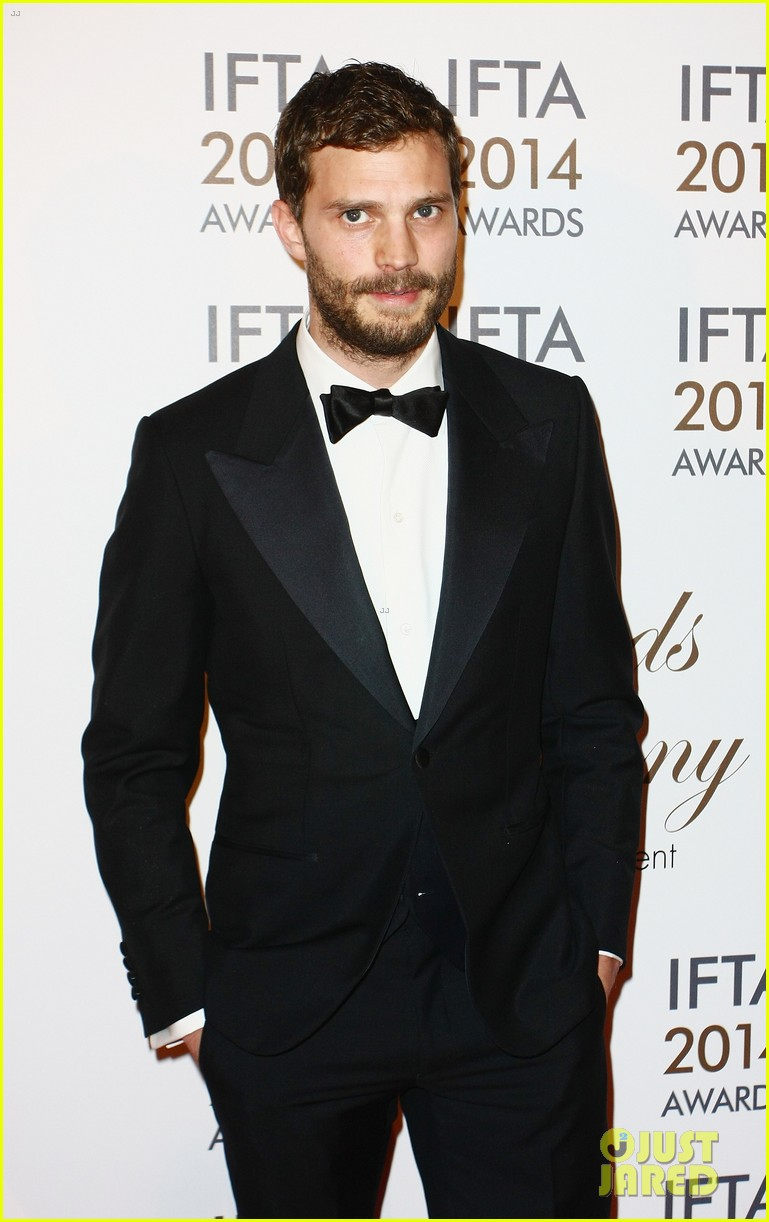 jamie dornan wins two awards at ifta awards 053085363