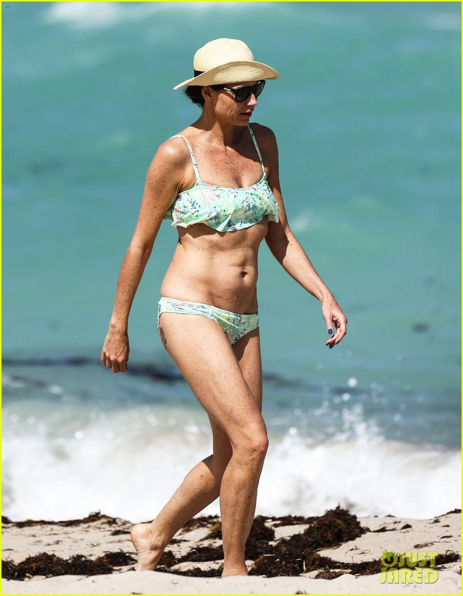 minnie driver bares bikini body 103087771