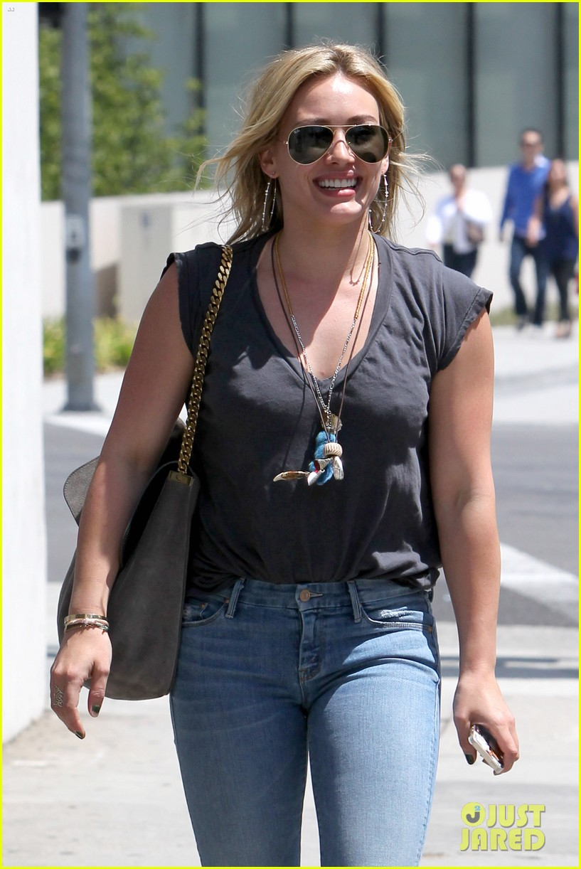 hilary duff treats herself to a vegan dinner at crossroads 093097481