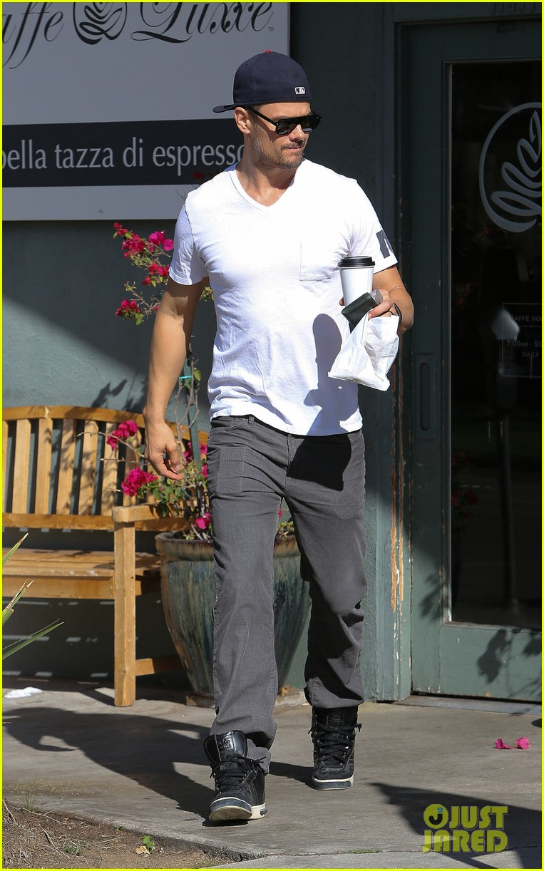 josh duhamel gets mistaken for timothy olyphant johnny knoxville 063100470