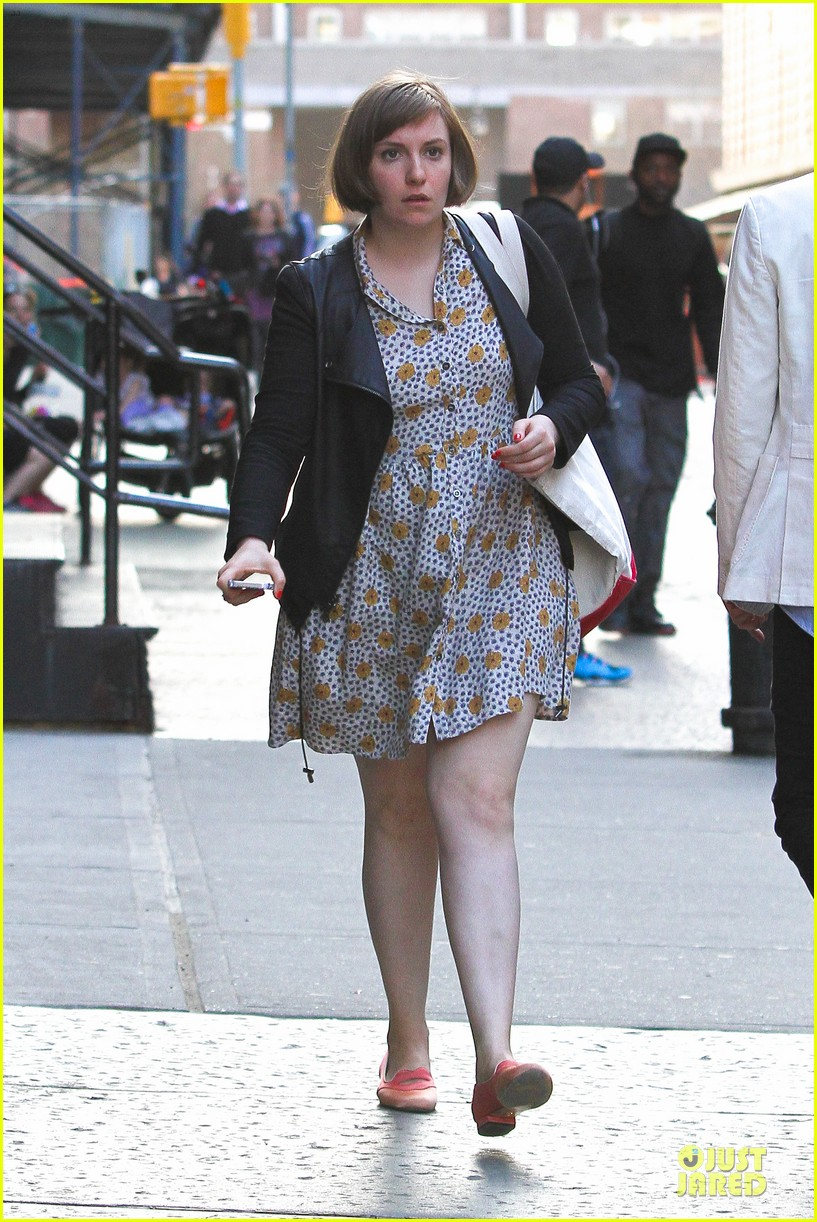 lena dunham meets up with taylor swift 083092449