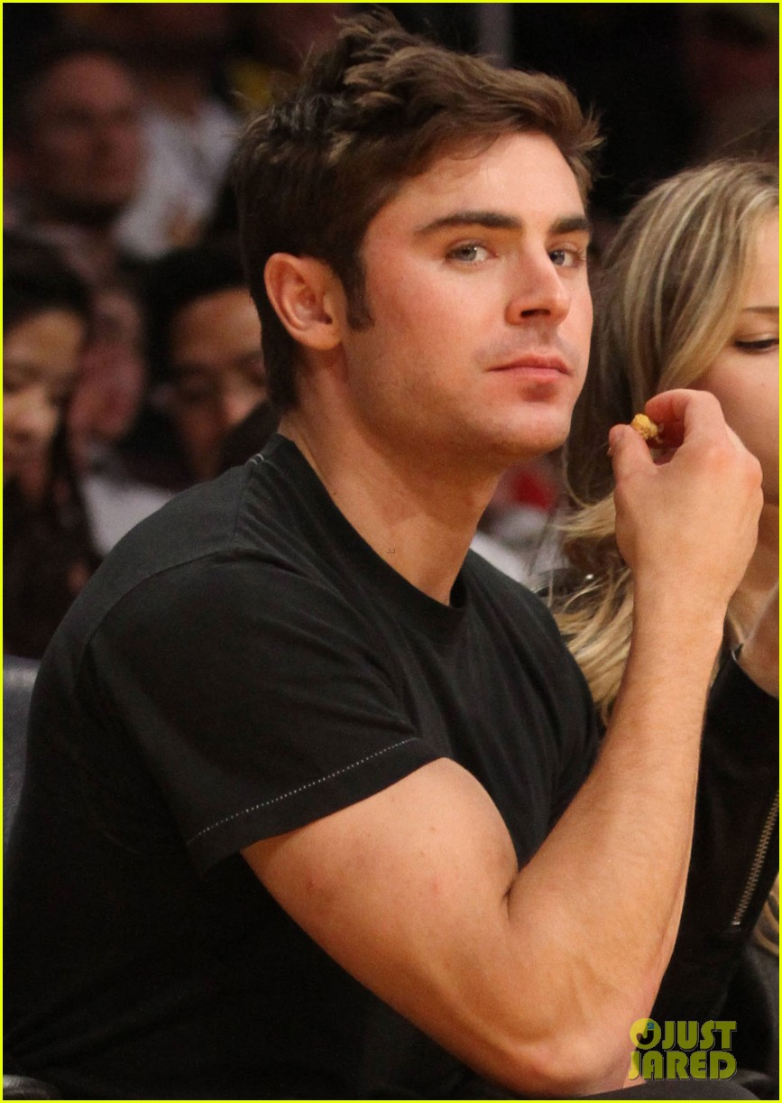 zac efron halston sage lakers game 023084968