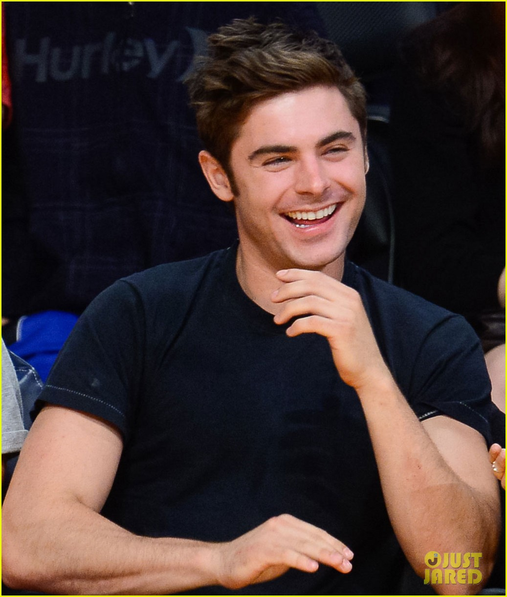 zac efron halston sage lakers game 103084976