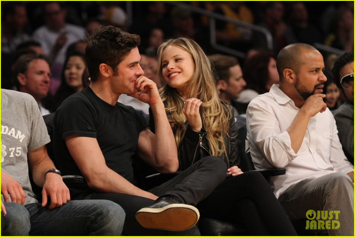 zac efron halston sage lakers game 153084981