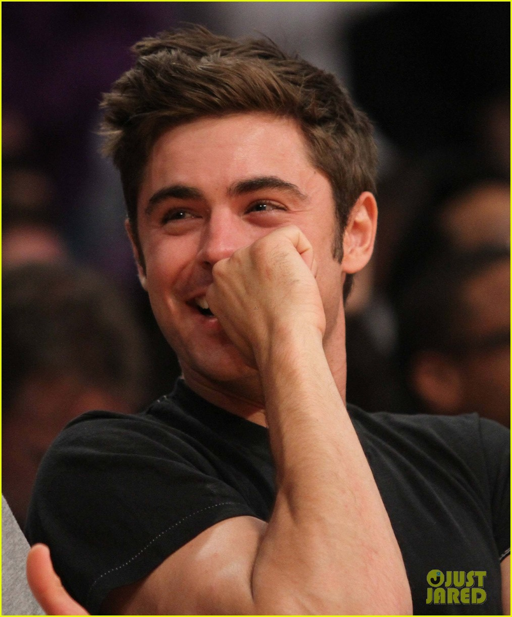 zac efron halston sage lakers game 163084982