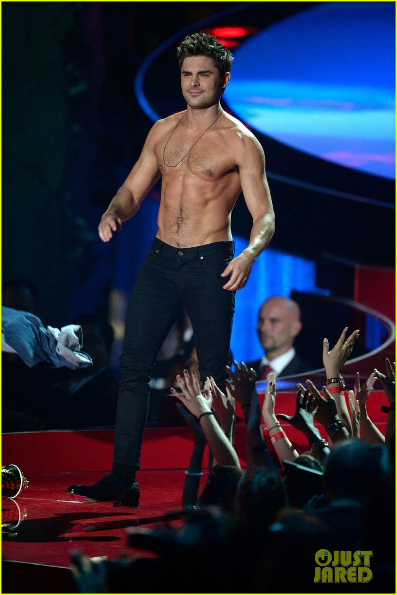 more zac efron shirtless photos mtv movie awards 2014 24