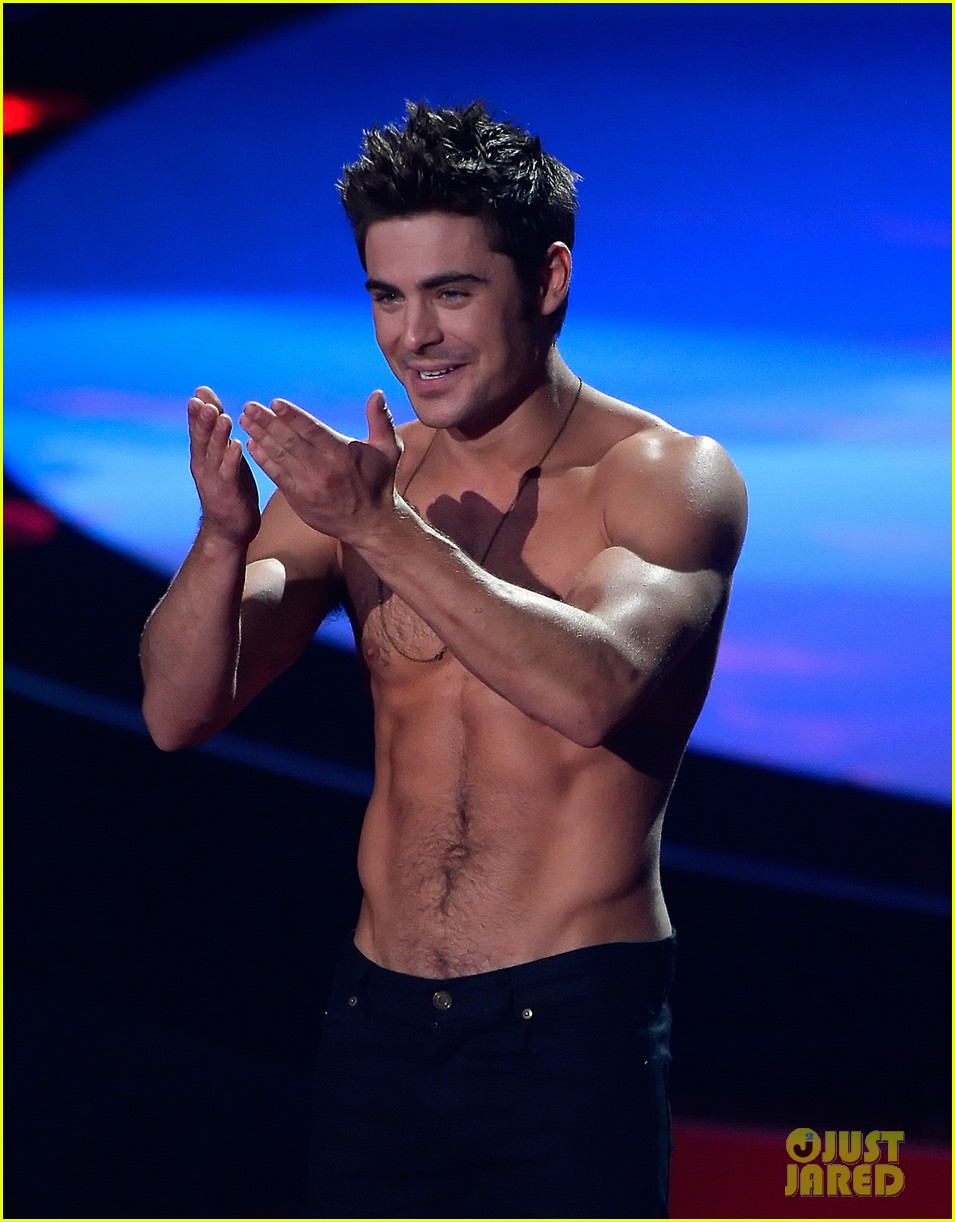 more zac efron shirtless photos mtv movie awards 2014 25