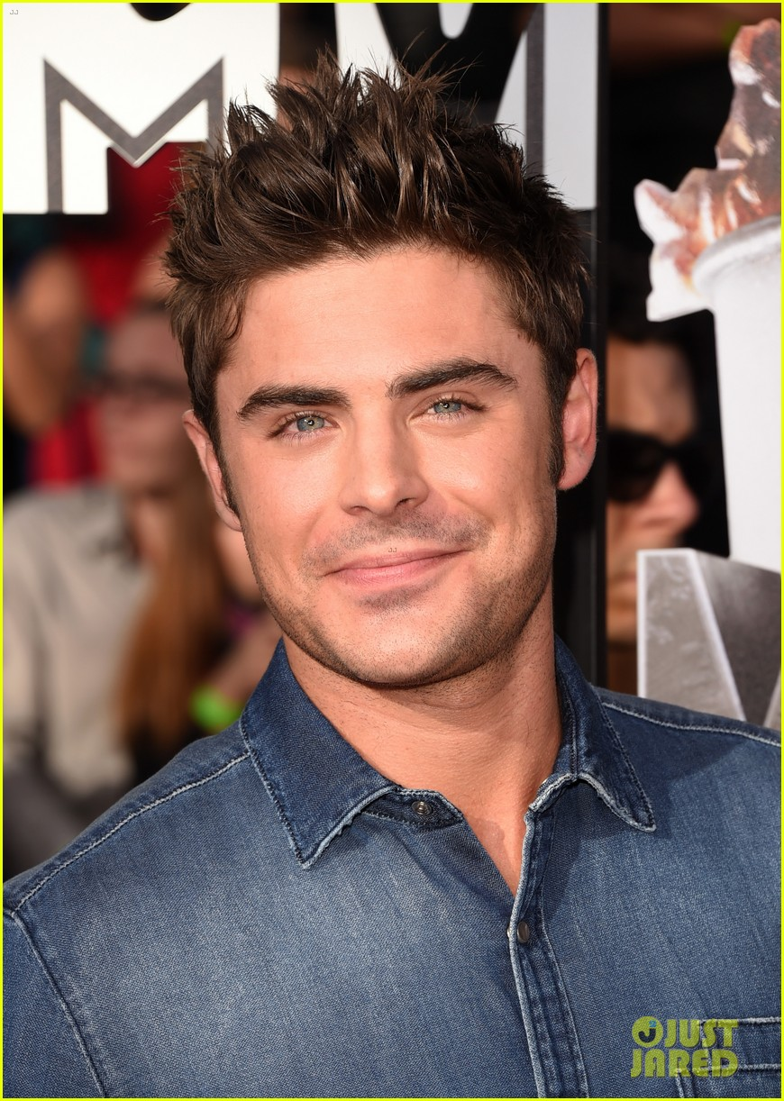 zac efron arms mtv movie awards 2014 023091179