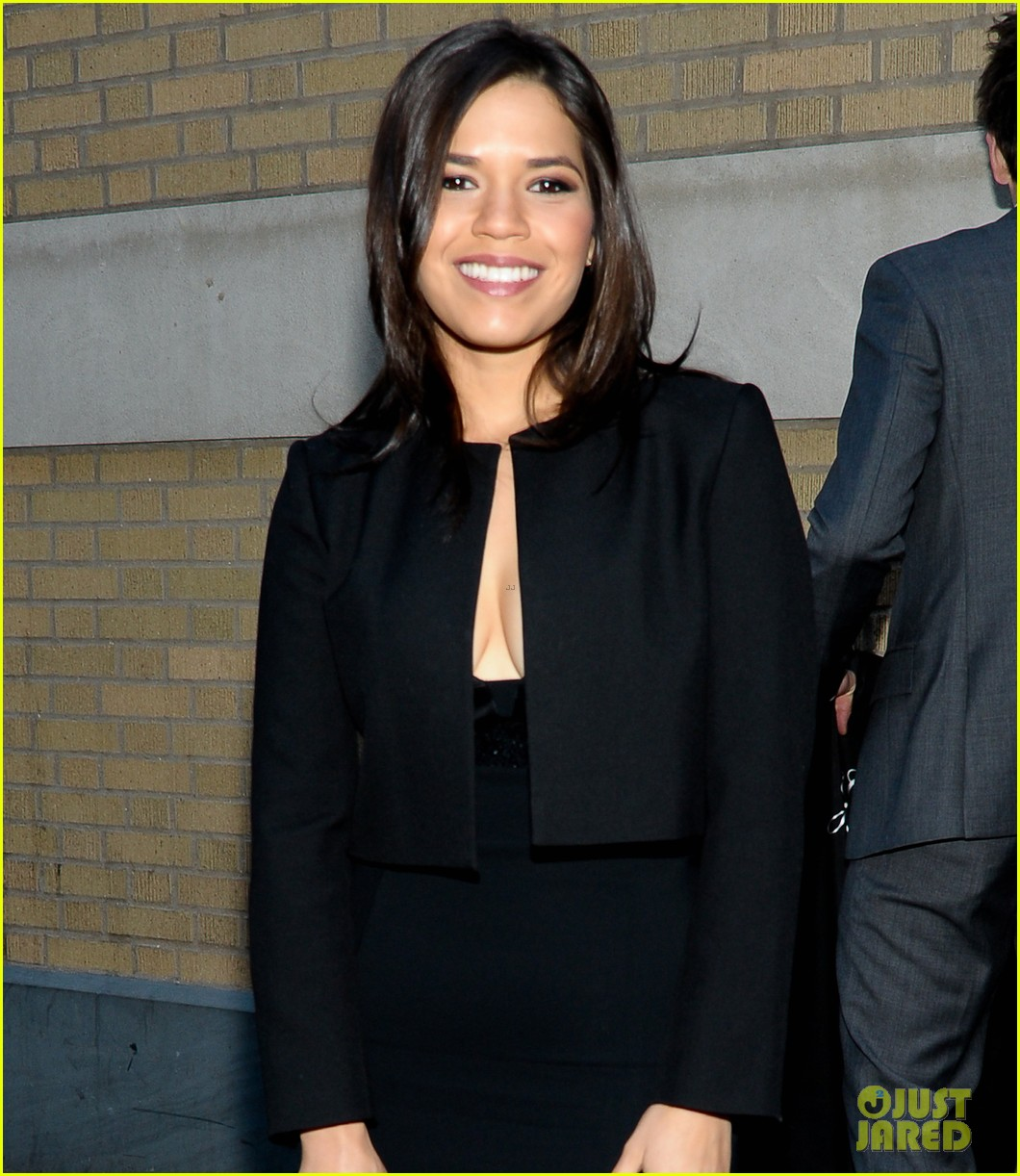 america ferrera husband ryan piers williams meet the actors session in nyc 05