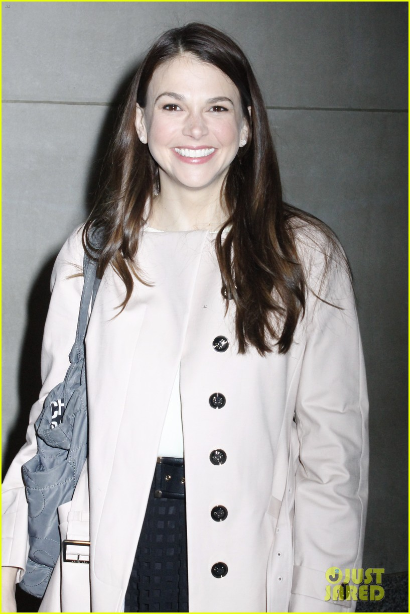 sutton foster reacts to sixth tony nomination 013102079