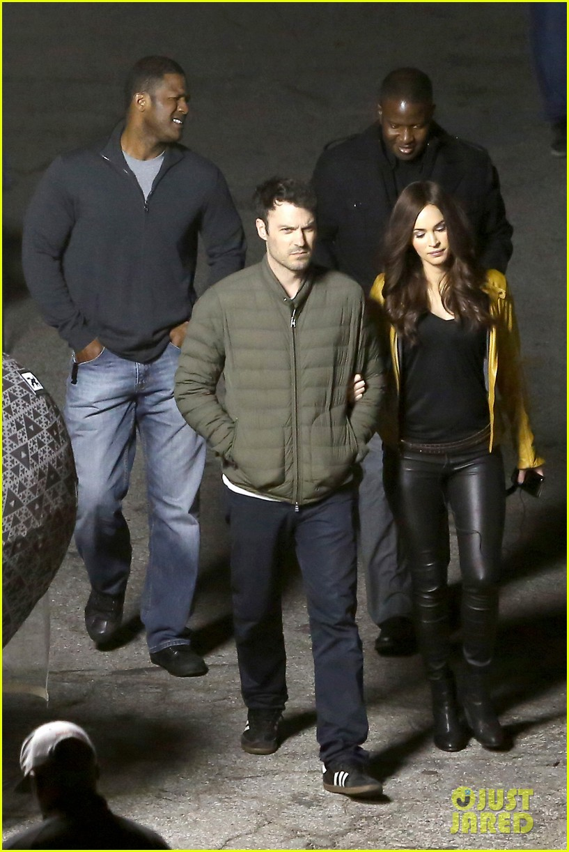 megan foxs husband brian austin green escorts his wife on tmnt set 133087532