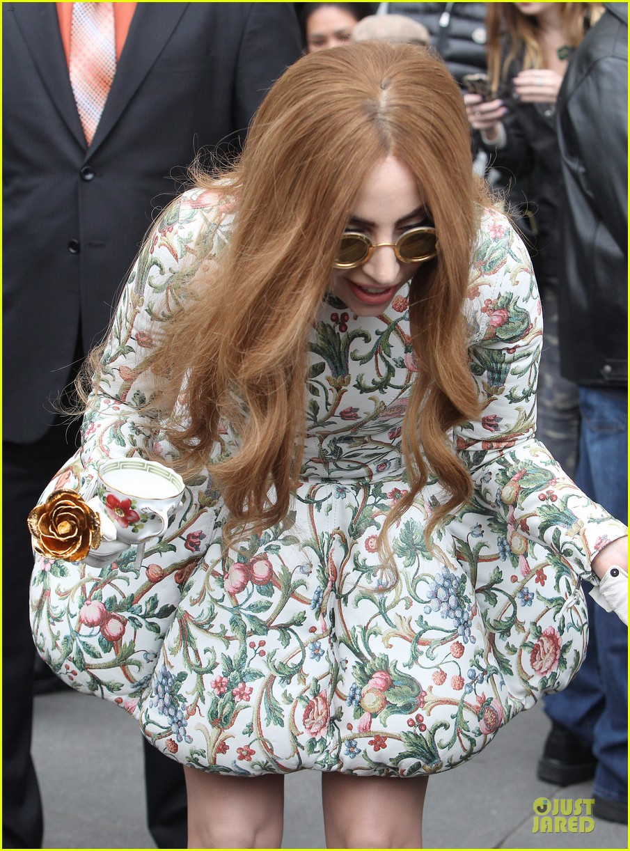 lady gaga musical talents at letterman 11