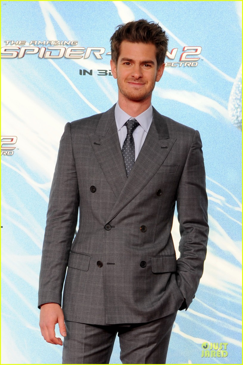 http://cdn02.cdn.justjared.com/wp-content/uploads/2014/04/garfield-naked1/andrew-garfield-loves-being-naked-04.jpg