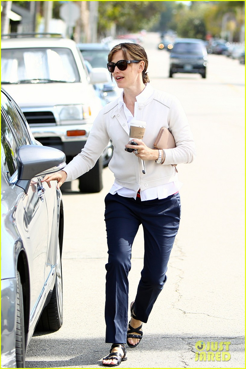 jennifer garner lines up her next project 02