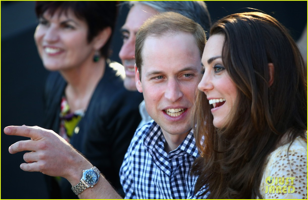 prince george goes to the zoo kate middleton prince william 25