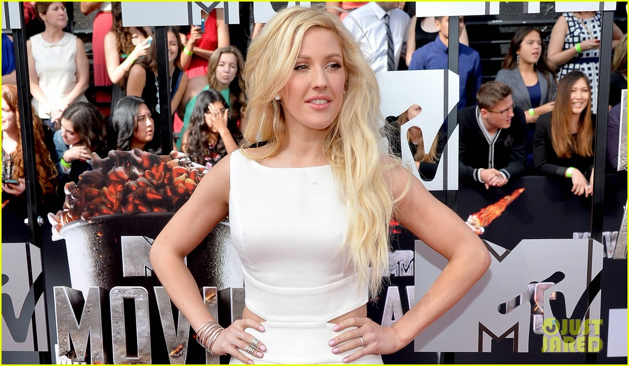 ellie goulding makes our hearts beat on mtv movie awards 2014 red carpet 02