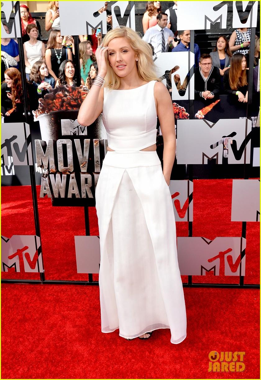 ellie goulding makes our hearts beat on mtv movie awards 2014 red carpet 033091090