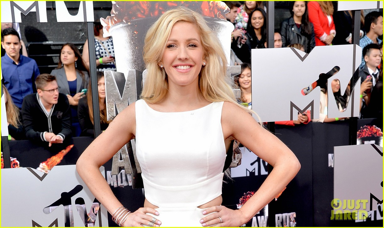 ellie goulding makes our hearts beat on mtv movie awards 2014 red carpet 04