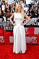 ellie goulding makes our hearts beat on mtv movie awards 2014 red carpet 05