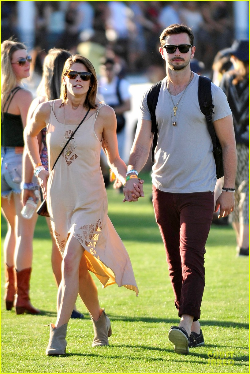 ashley greene paul khoury first coachella together 07
