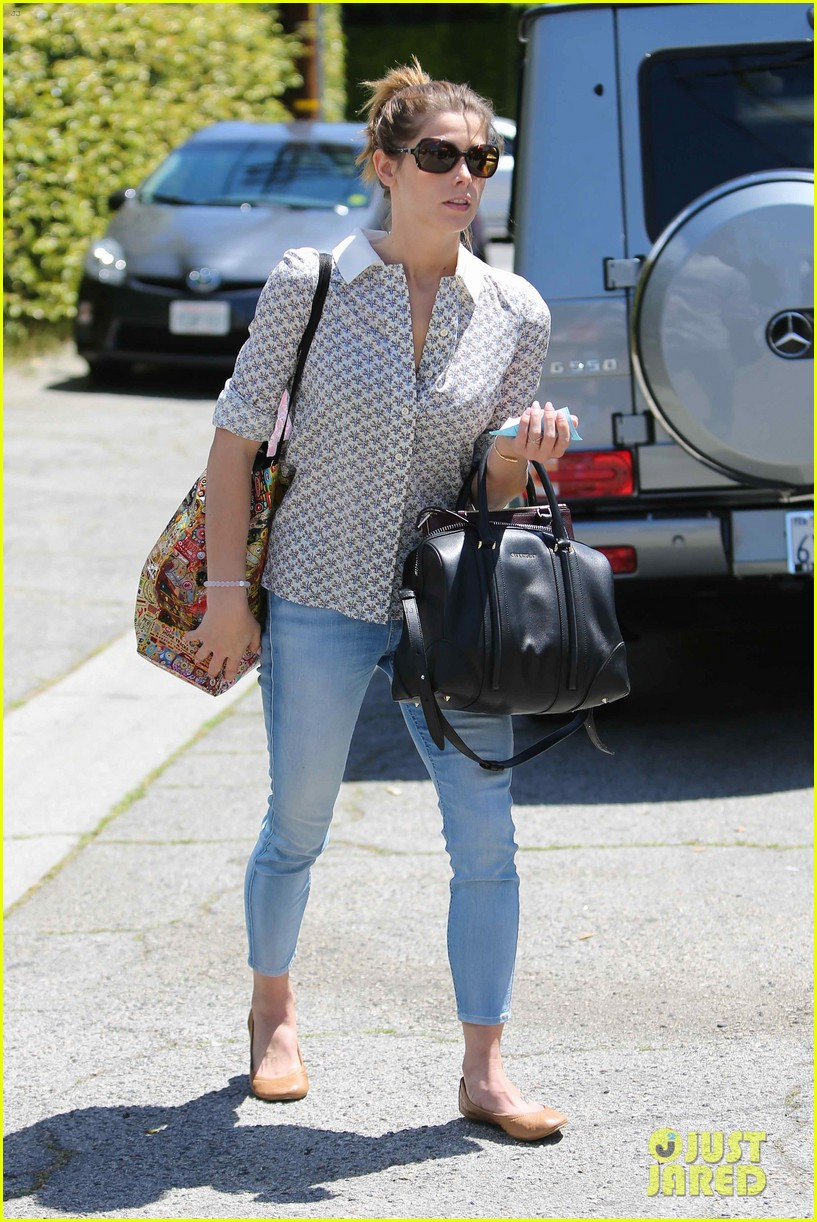 ashley greene spends weekend with mother michele 053100666