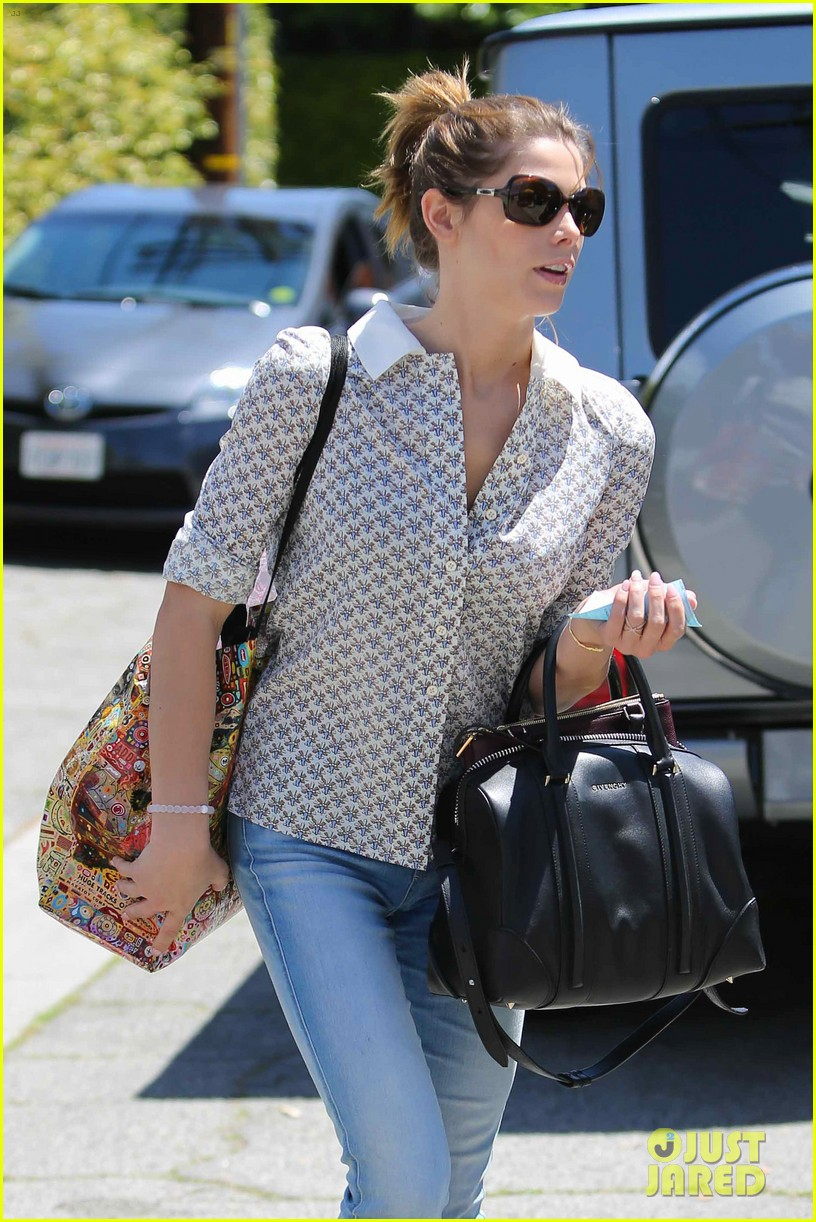 ashley greene spends weekend with mother michele 06