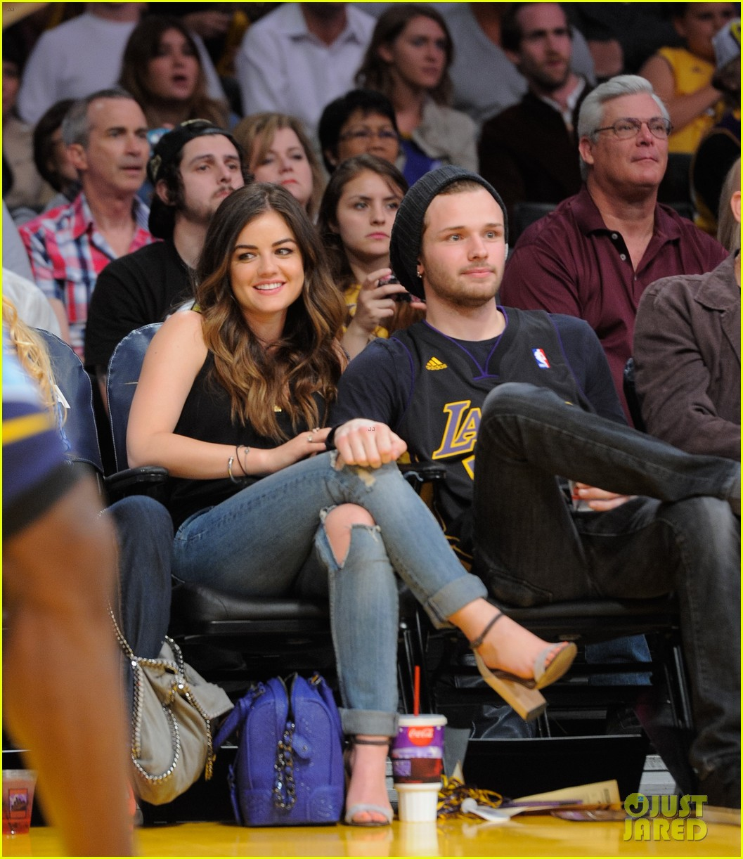 lucy hale lakers game joel crouse 03